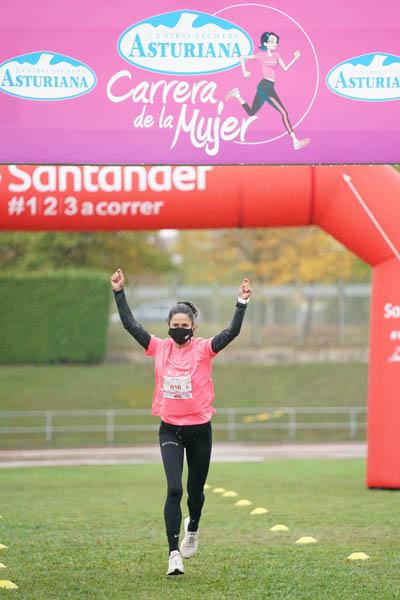 La Carrera de la Mujer Virtual ha pasado hoy por Vitoria – Gasteiz y la Marea Rosa ha homenajeado a Eli Pinedo y Rakel Mateo