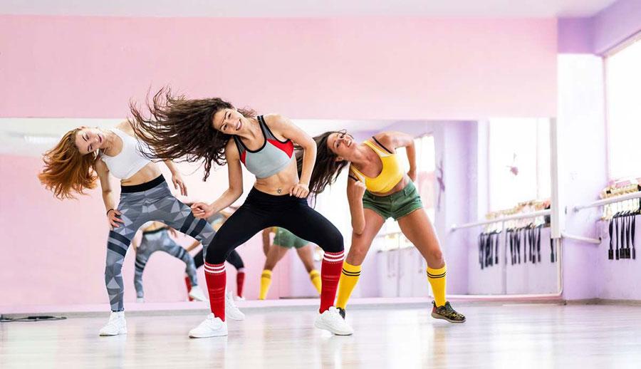 ¡No te pierdas las clases de fitness y yoga de la Carrera de la Mujer de Valencia!