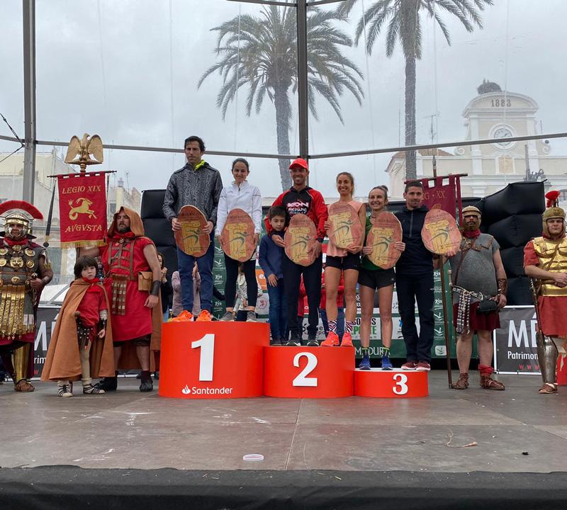 Jesús Antonio Núñez y Mamen Ledesma, vencedores de la XIV Media Maratón Mérida-Gran Premio Santander
