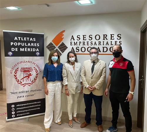 Asesores Empresariales Asociados renueva su apoyo a la Media Maratón de Mérida