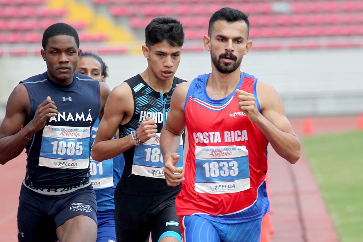 Josué Canales se proclama campeón centroamericano de 800 y 1.500 metros