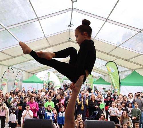 El Tour Universo Mujer engalana Pontevedra