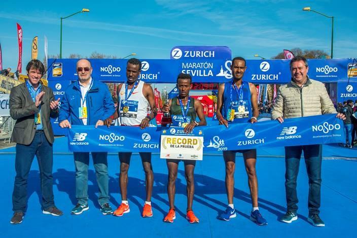 Entrega de trofeos del Zurich Maratón de Sevilla